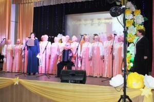 Бобровский народный хор ветеранов поздравил таловчан